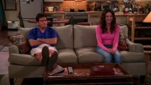 Two and a Half Men 02x13 : Zejdz z Moich Wlosów [a.k.a. Get Off My Hair]- Seriesaddict